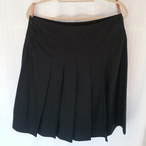 Cassis Black 100% Silk Pleated Skirt | Size 8